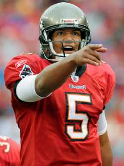 Josh Freeman 15 straight games with one touchdown pass