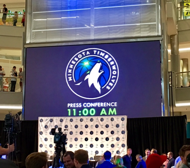 Jimmy Butler's Timberwolves Mall Of America News Conference
