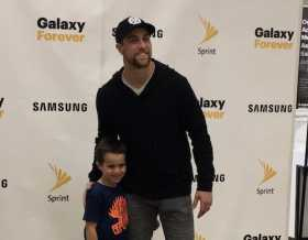 Adam Thielen Appearance At Minnesota Sprint Store