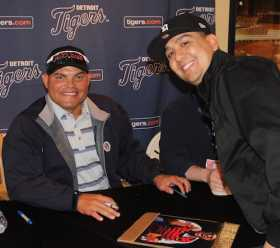 Ivan Rodriguez Photo With Fan