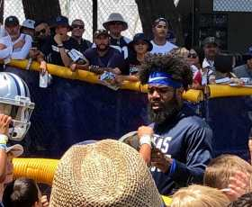 Ezekiel Elliott Signing Autographs At Cowboys Training Camp