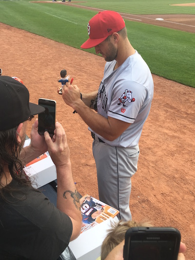Tim Tebow Signing Autographs With Binghamton Rumble Ponies