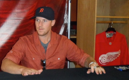 Jimmy Howard Signing Autographs