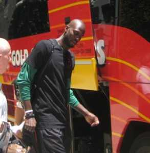 Kevin Garnett outside Beverly Wilshire Hotel 2010 NBA Finals
