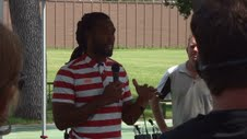 Larry Fitzgerald and Riddle donates 1000 helmets to Minneapolis Parks