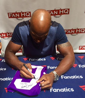 Adrian Peterson Signing Autographs