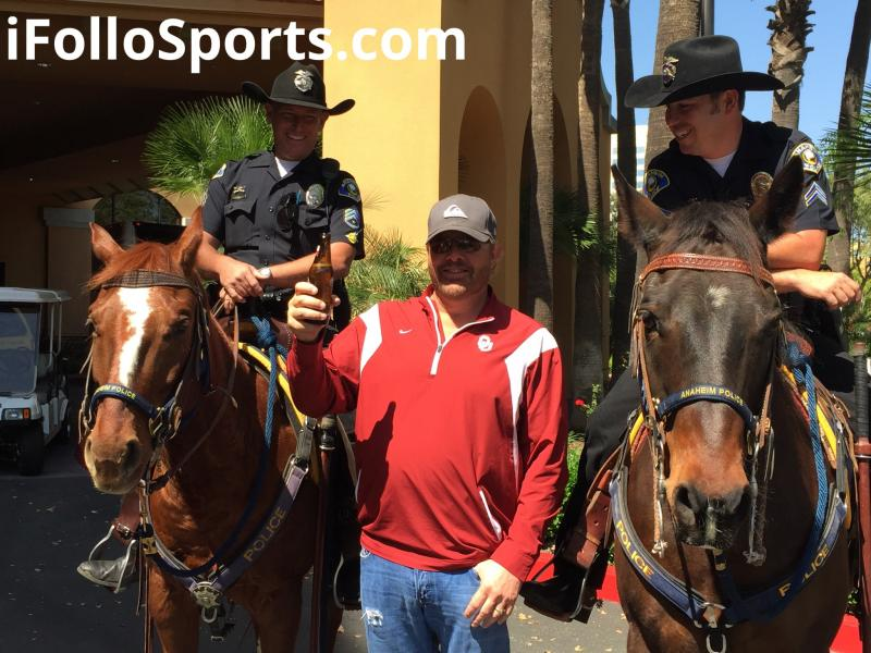 Toby Keith Posing For Photo With Mounted Police