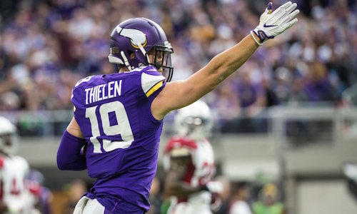 Vikings Adam Thielen Signing Autographs